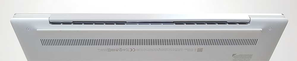 Dell XPS 13 9300 cooling vents
