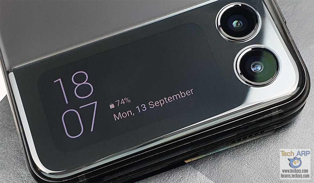 Samsung Galaxy Flip 3 cover display