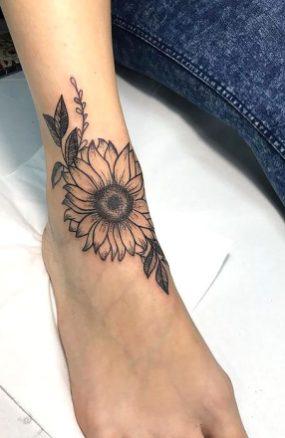 Sunflower tattoos ideas for women (11)
