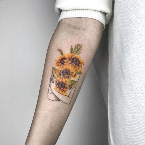 Sunflower tattoos ideas for women (32)