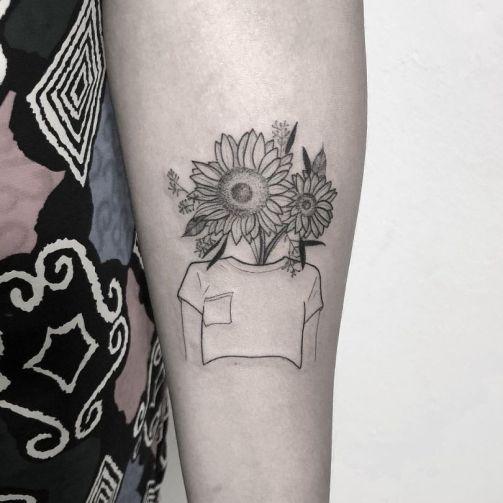 Sunflower tattoos ideas for women (35)