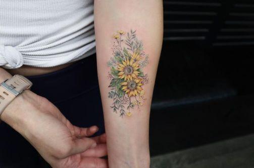 Sunflower tattoos ideas for women (36)