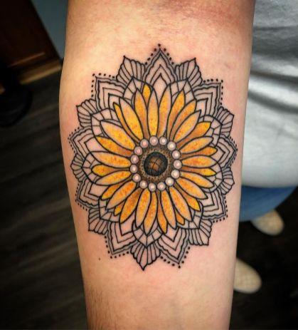Sunflower tattoos ideas for women (42)