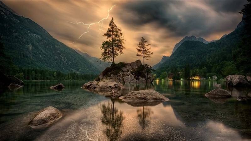 Nature Lightning Water Greenery