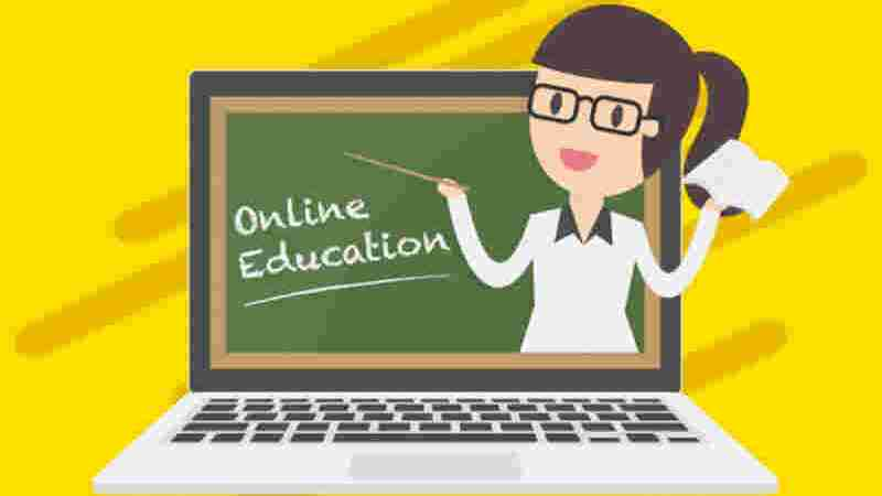 Teaching Online vs The Classroom – How Do They Compare?