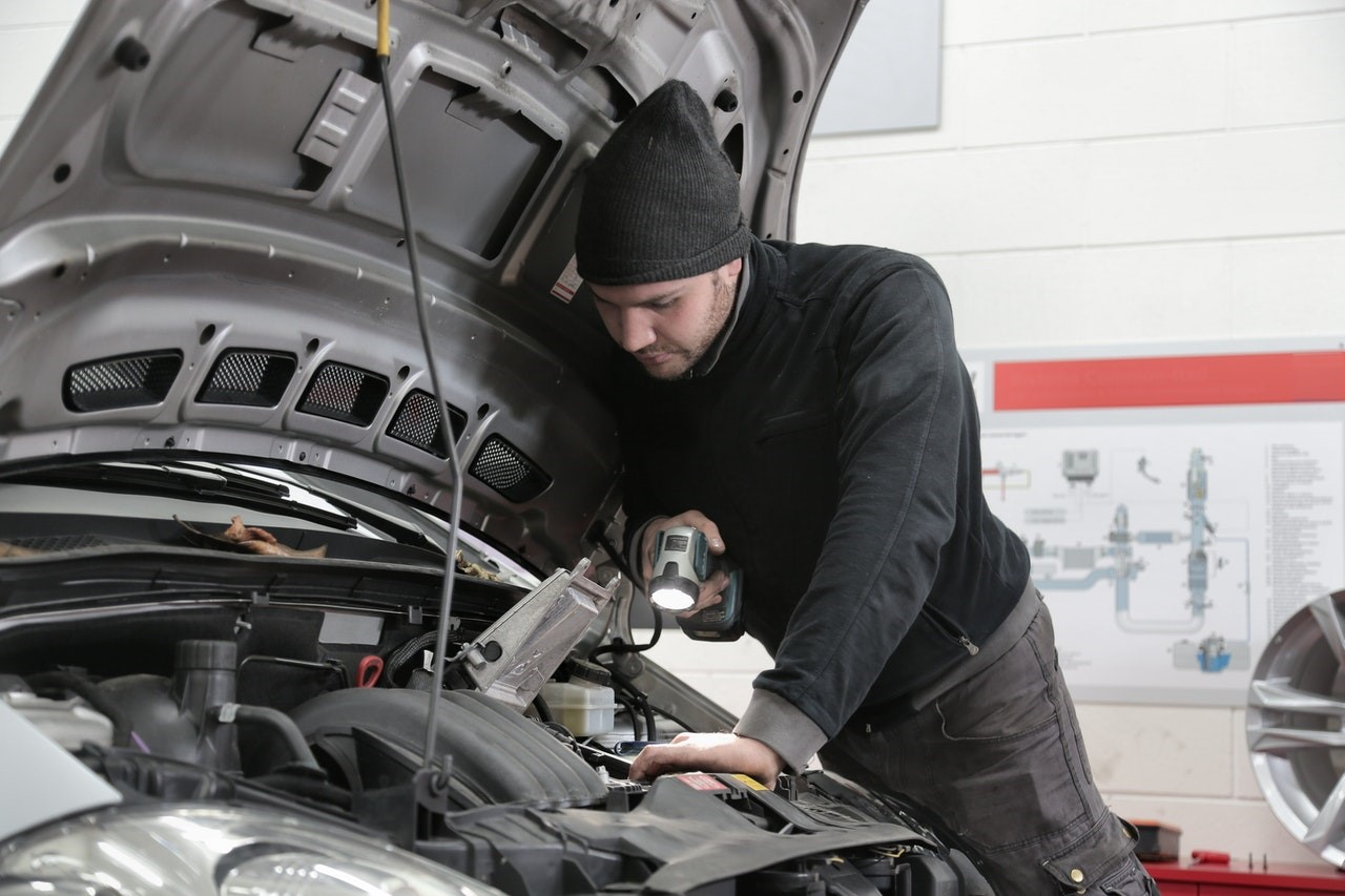 Why Choose a Specialist for Fixing Automatic Transmission Problems?