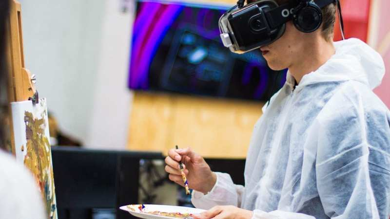 Virtual Reality Rental Services Can Help Your Business