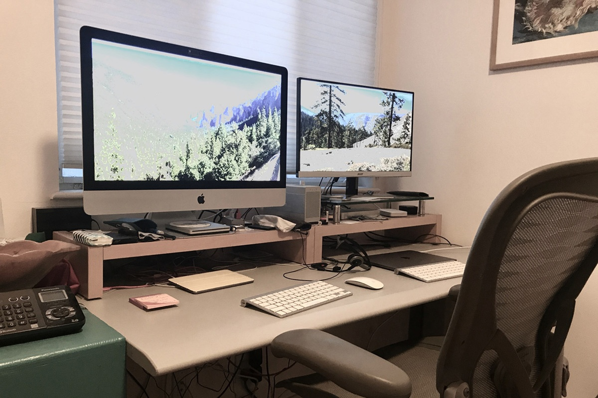 11 Items You Should Have for Your Work-From-Home Setup