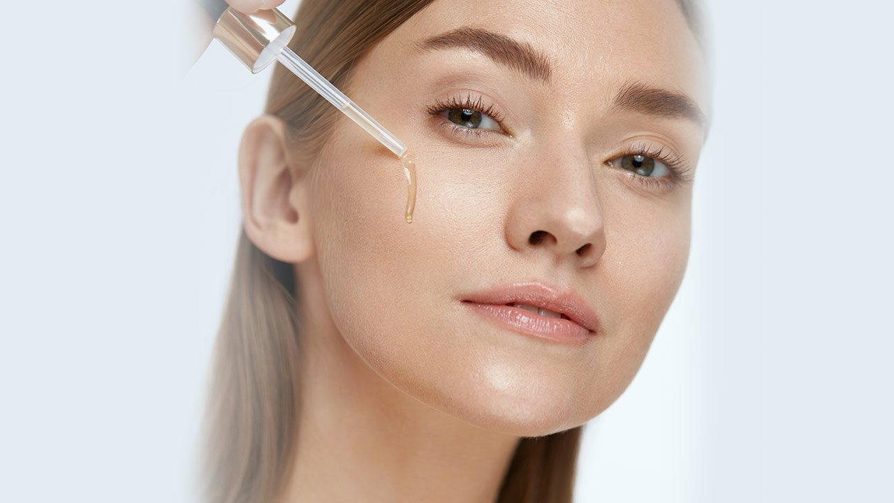 Expert Guide On Using a Face Serum