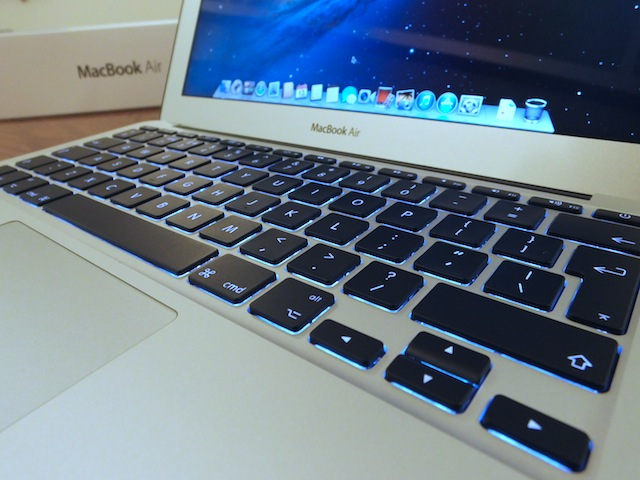 MacBook-Air-11-inch-2013-03.JPG