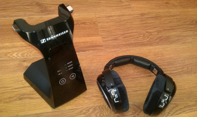 Sennheiser RS 220 3.jpg