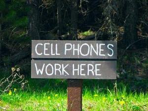phones-work-here.jpg