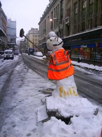 road-snowman.jpg