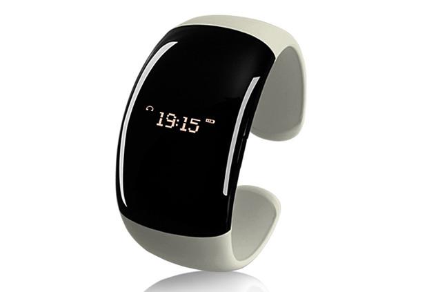 bluetooth-fashion-bracelet.jpg