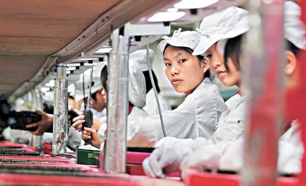 foxconn-employees.jpg