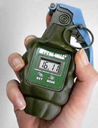hand-granade-alarm-clock.jpg