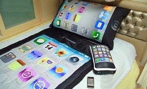 iphone-bed-2.jpg