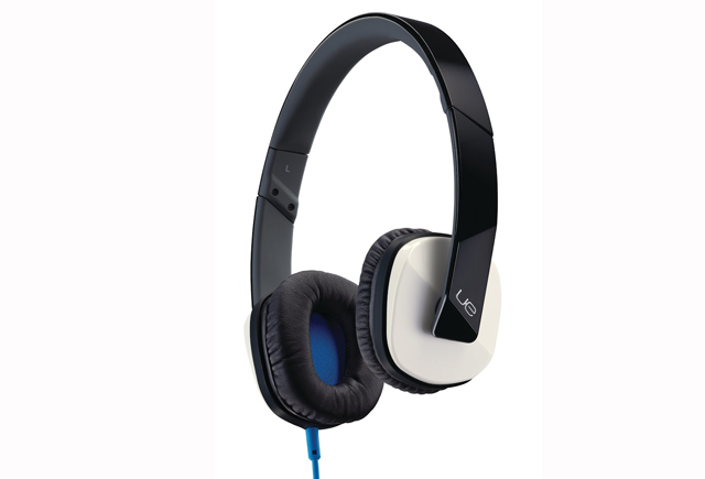 logitech-ulitmate-ears-4000-top.jpg