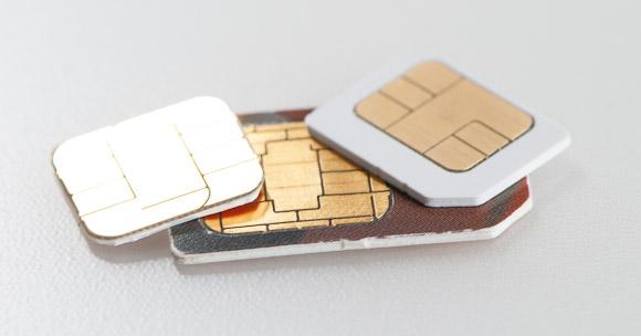 nano-sim-card-vs-micro-and-normal-sim-card_1333117835.jpg
