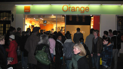 the-alternative-orange-store-window-2.jpg
