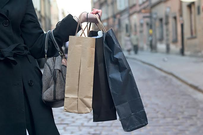 E-commerce shores up faltering High Street, claims ParcelHero