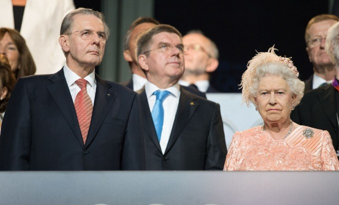 queen-elizabeth-ii-opening-london-2012-olympic-games-02