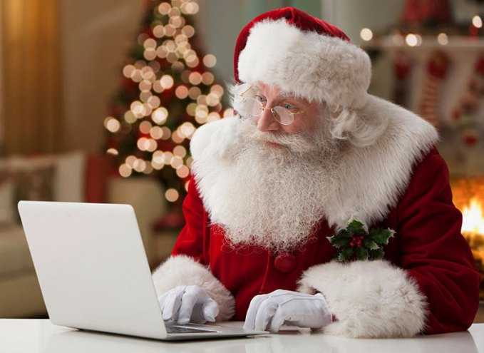 santa-using-laptop