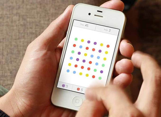 playing-game-on-iphone