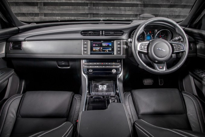 The interior of the Jaguar XF S is exceedingly luxurious
