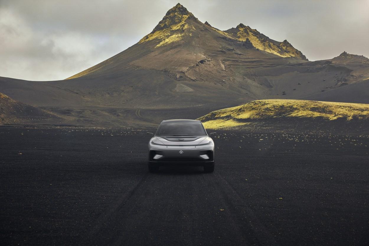 ff91-electric-cars-transport-design-vehicles-ces-2017_dezeen_dezeen_2364_col_25.jpg