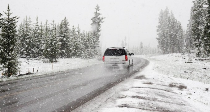 top 7 tips for winter driving to help stay safe - winterdriving 1030x552 - Top 7 tips for winter driving to help stay safe