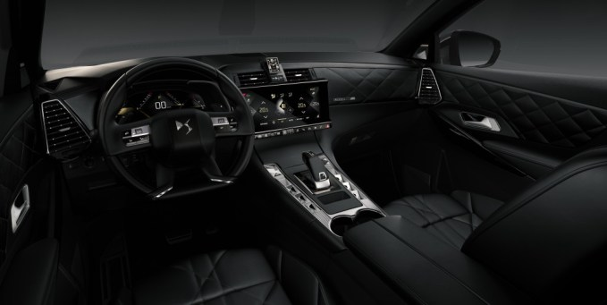 - 20170228 DS 7 CROSSBACK DS Inspiration RIVOLI interior 1030x517 - Review: DS 7 Crossback SUV – a luxury car for our times?