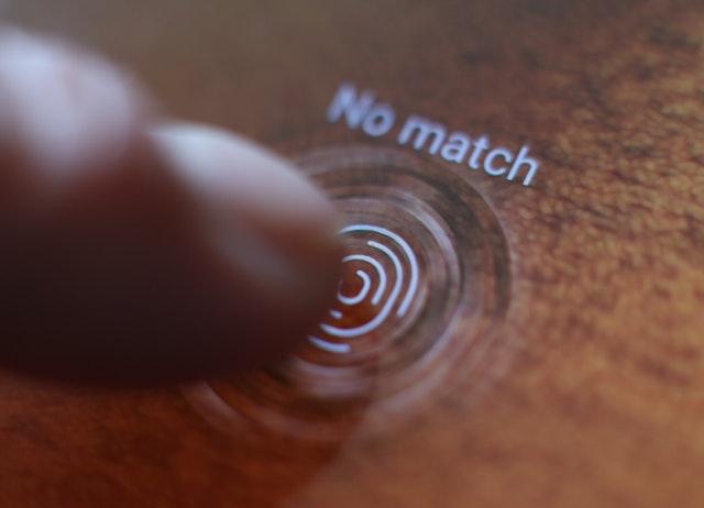 Samsung fingerprint scanner unlocked with screen protector