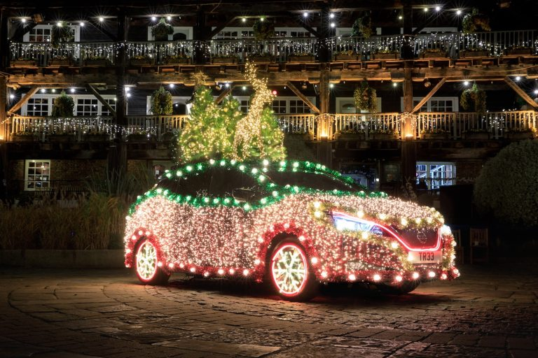 Nissan turns LEAF into Christmas Tree