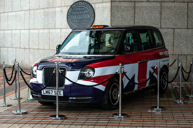 Electric taxis go wireless in Nottingham