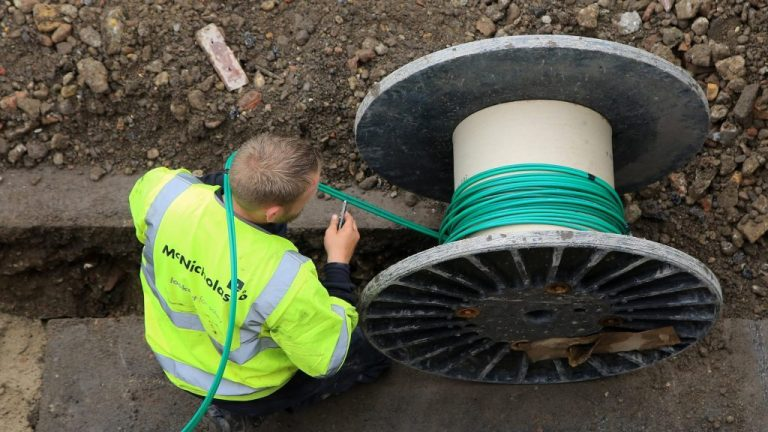 Greater broadband competition needed to improve service, claims survey