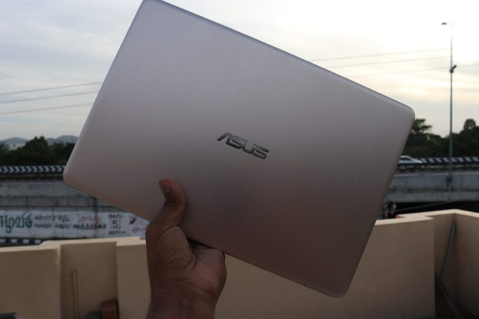ASUS VivoBook S406U