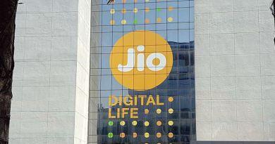 reliance jio free services extends till April 15