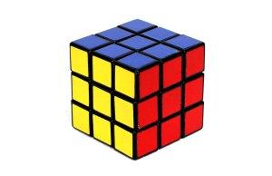 Robô resolve o cubo de Rubik em menos de 2 segundos