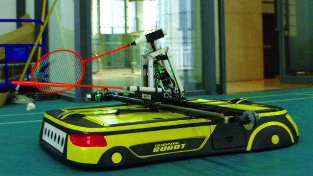 Badminton: O robot que lhe vai dar uma tareia