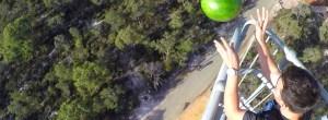 Spray protetor: A 45 metros de altura melancia não parte