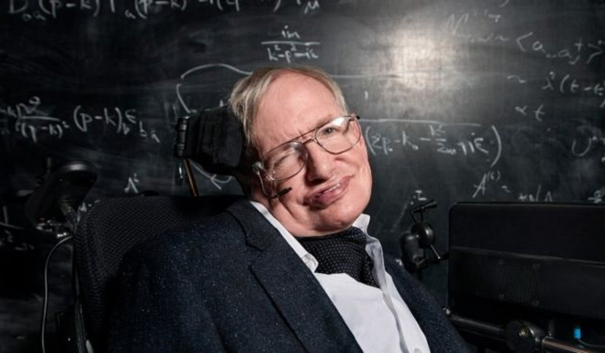 """Stephen Hawking: """"I Am Convinced That Humans Need to Leave Earth For Prolong Humanity's Existence"""""""