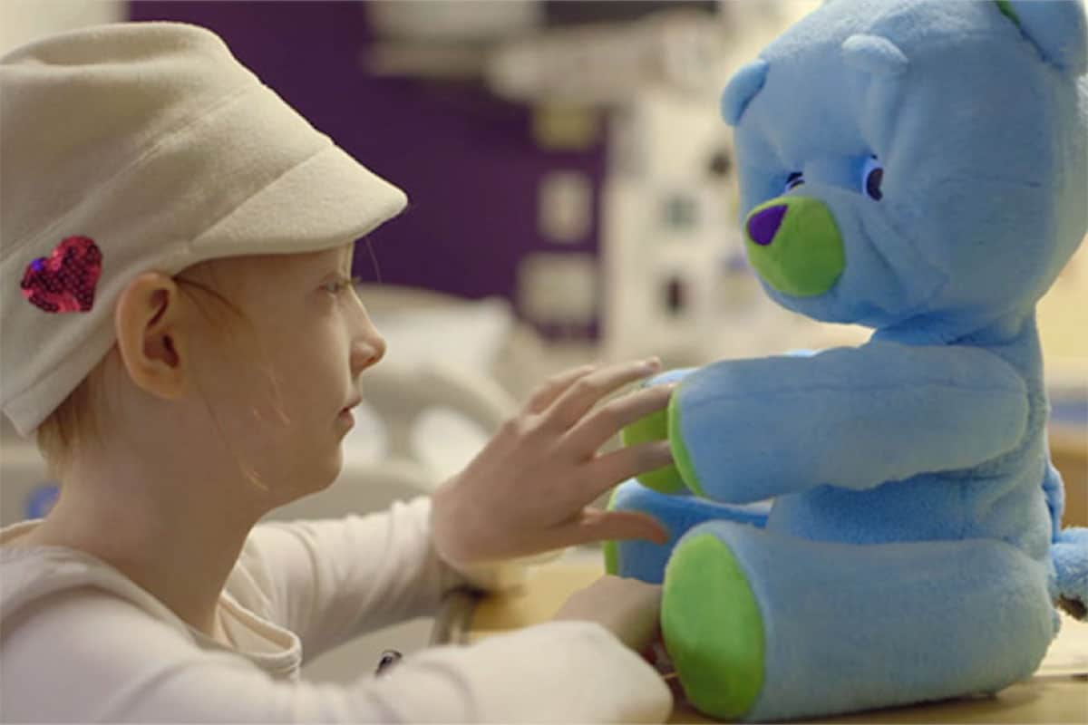 Social robots can lead to more positive emotions in sick children