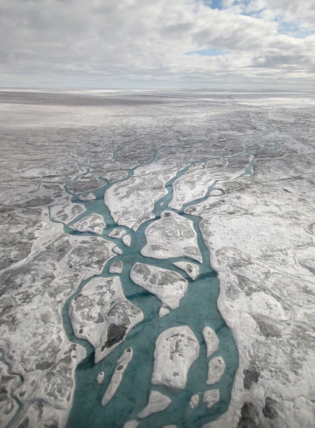 There are more than 50 lakes lies beneath the Greenland Ice Sheet