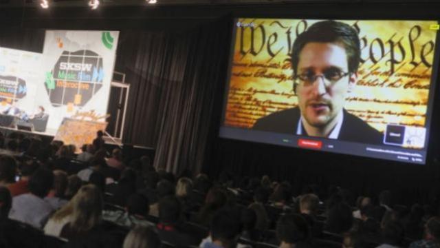 Edward_Snowden_AP-624x351