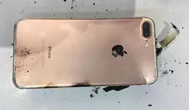 exploding-apple-iphone7-plus-techfoogle
