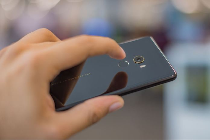Xiaomi-Mi-Mix-2-fingerprint-scanner-techfoogle