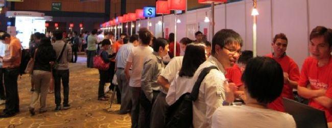 "Commentary: SingTel slashes mobile Internet bundle with ""4G"" launch, StarHub follows"
