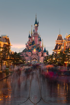 Disneyland in Paris phone backgrounds wallaper