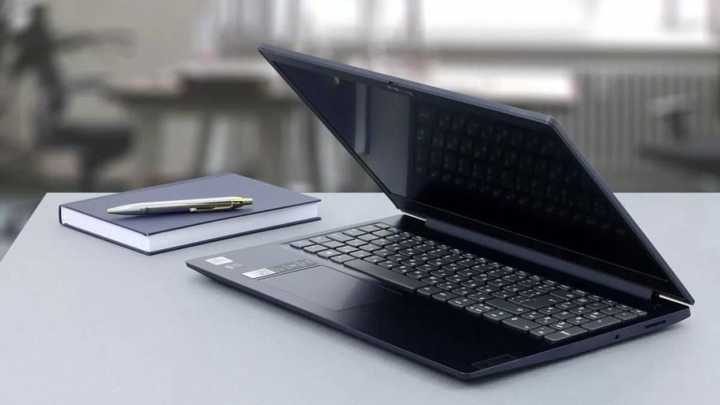 Lenovo IdeaPad 3 15IML05 – Cel mai bun laptop pentru scoala